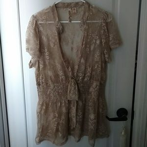 Eyeshadow 2X Lace Blouse Tan color